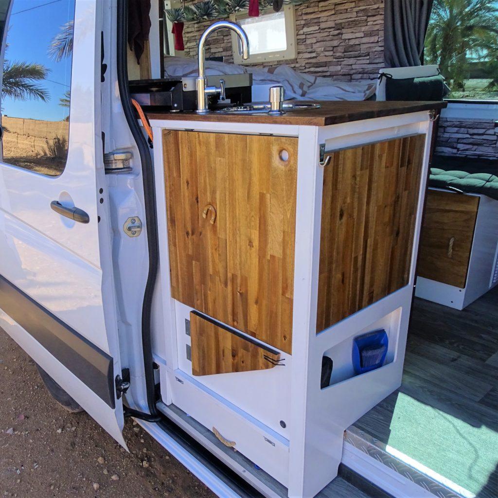 wohnmobil k che selber bauen vanausbau sprintour de. Black Bedroom Furniture Sets. Home Design Ideas
