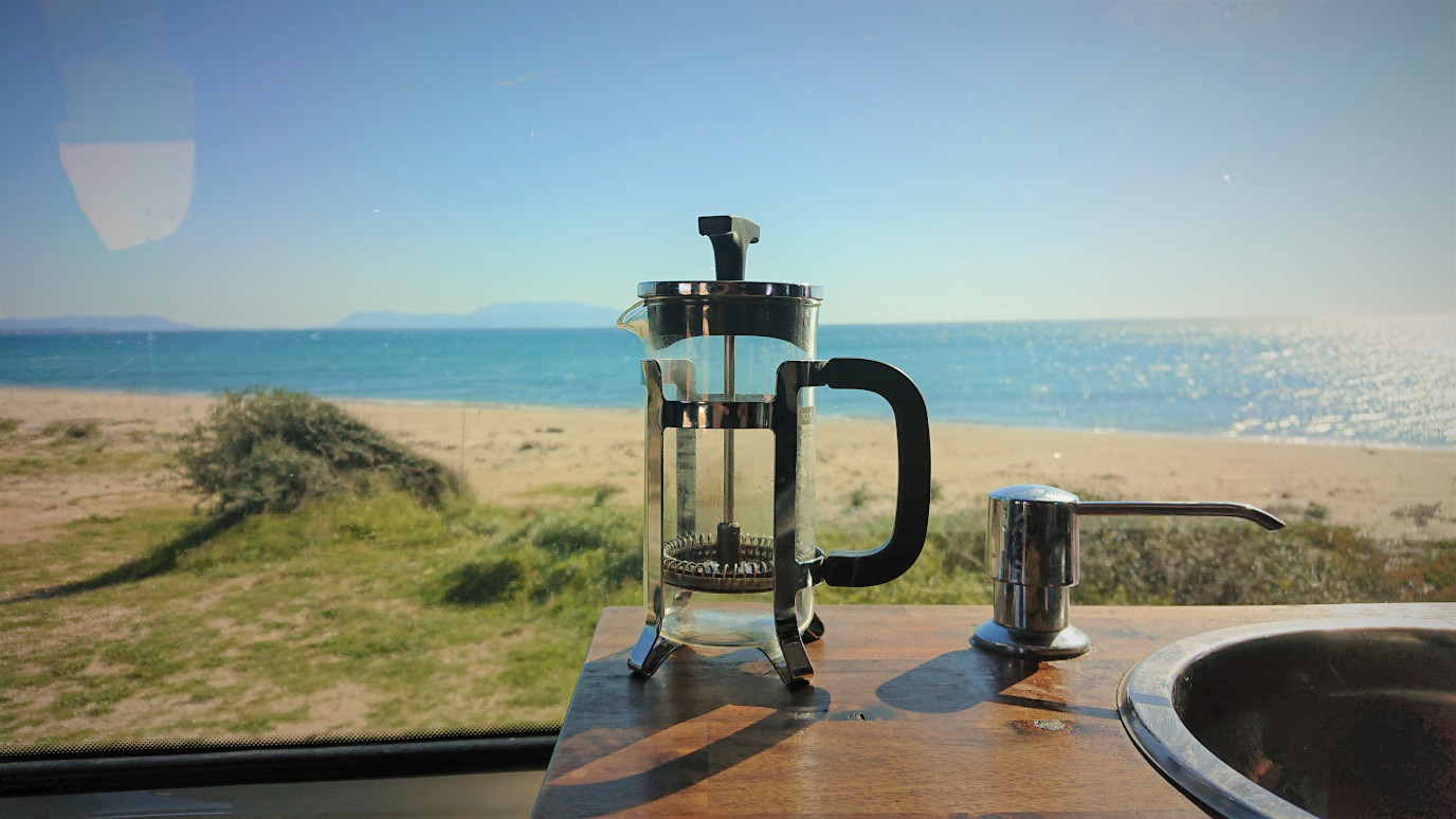French Press am Strand