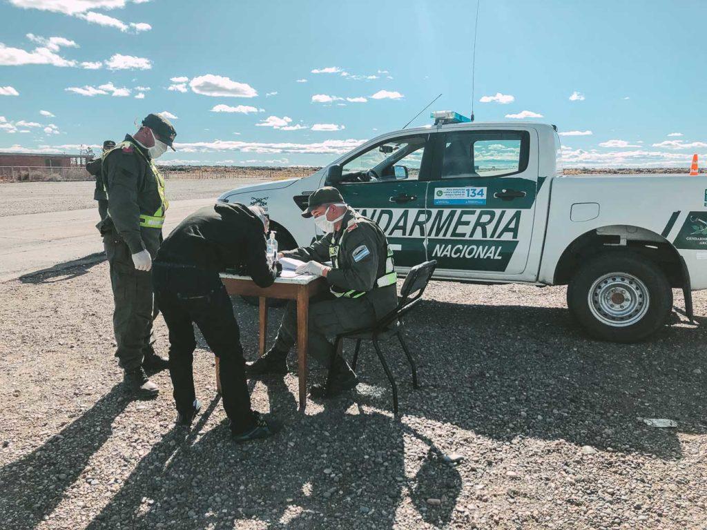 Corona Krise in Argentinien Polizeikontrolle